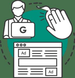 mand med en google computer og en google ads kampagne